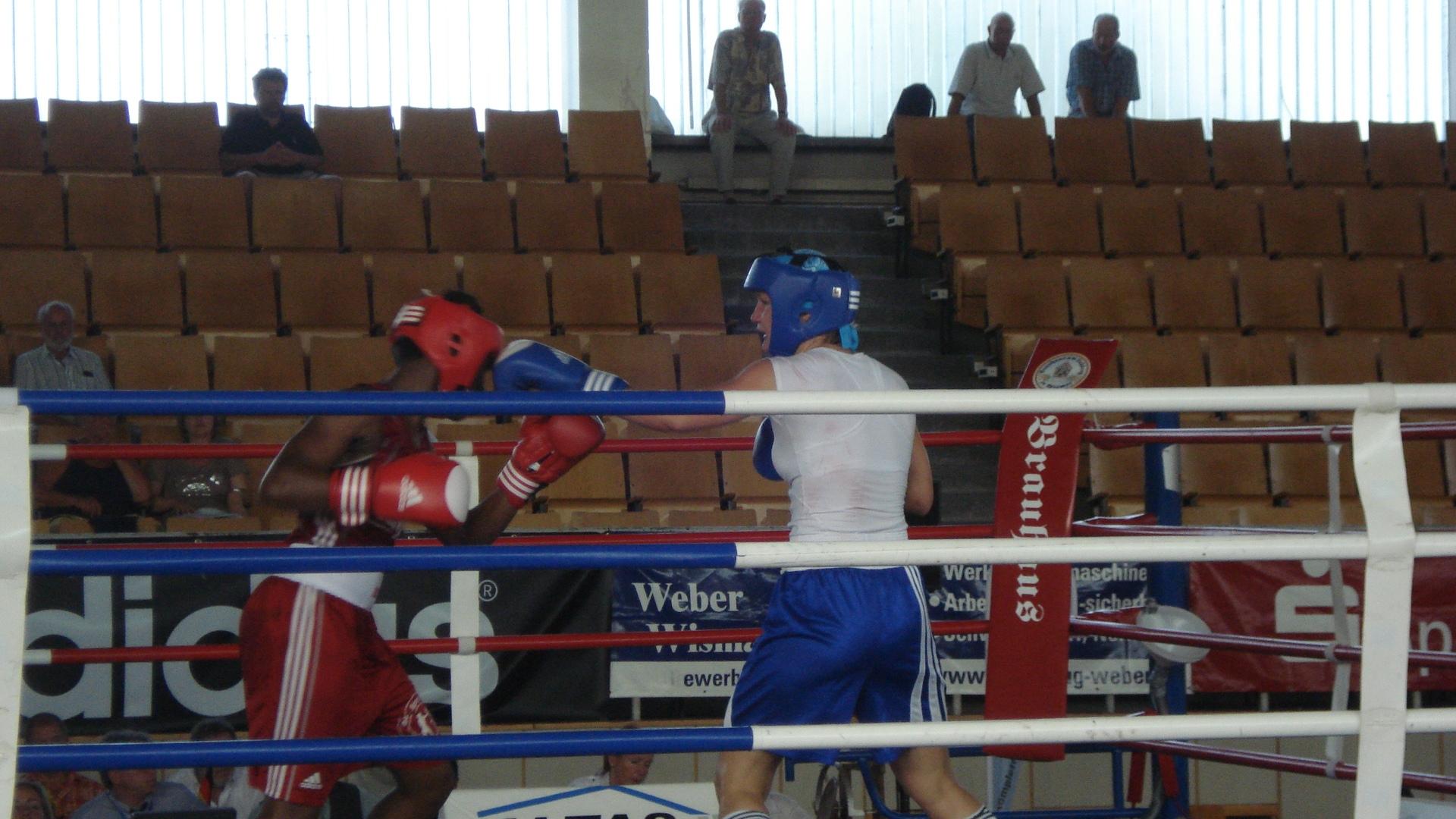 """ShareAmateurboxerin holt fünften Deutschen Meistertitel in Folge. """"Ich bin total happy, dass ich das geschafft..."""