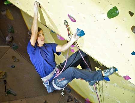 Share Juliane Wurm ist Deutschlands erfolgreichste Wettkampf-Kletterin. Foto: Udo Neumann Juliane Wurm siegte bei der...