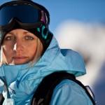 Snowboard-Profi Aline Bock liebt das Surfen. Foto: Daniel Zangerl