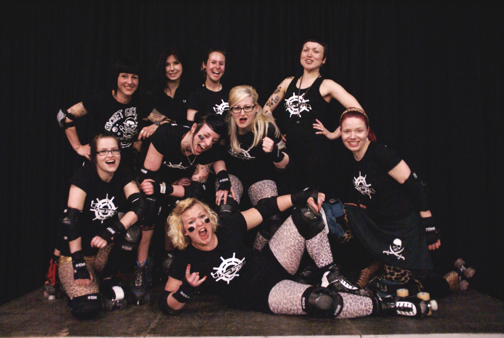Lena war gestern, den Roller Derby Girls gehört die Zukunft. Für die geballte Frauenpower auf Rollen stellte Samstagabend (14. Mai 2011) die laszive Sangeselfe samt Grant Prix keine ernsthafte Konkurrenz dar.