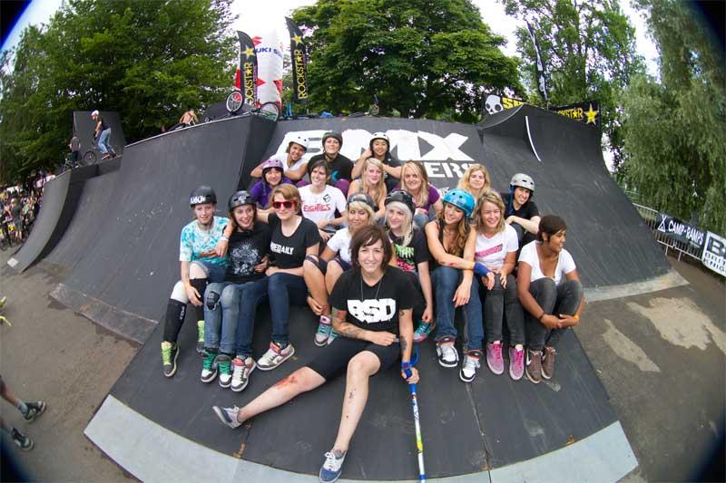 Seit sieben Jahren sind Frauen und Mädchen mit von der Partie bei den BMX Masters. Und auch 2011 können wir uns auf satte Frauenpower gefasst machen.