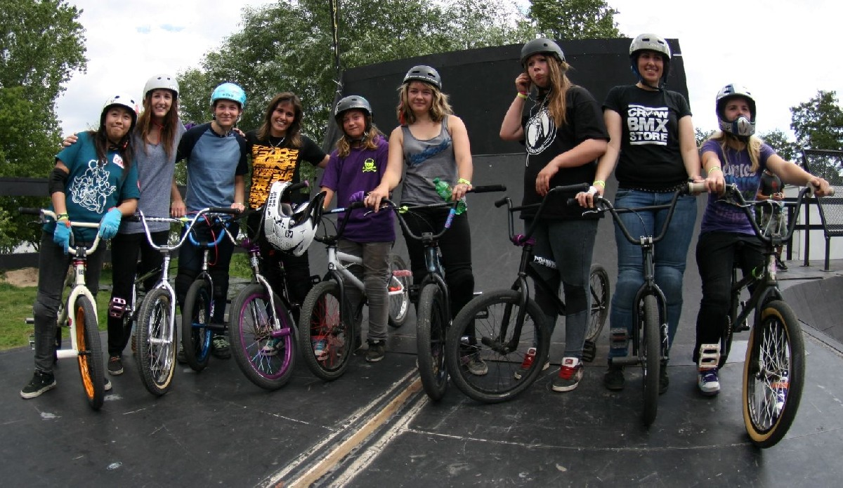 They give a voice to the female BMX scene: The girls who competed at BMX Masters 2011. Look at these pictures taken by Chris Schulze / Schollefoto.