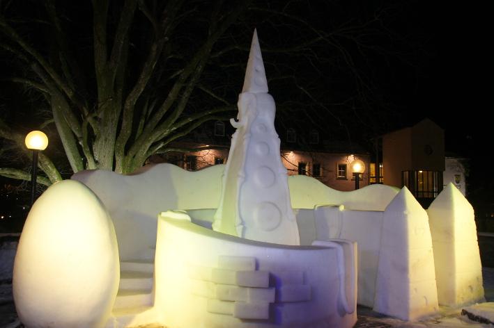 Schnee und Eiscafé von Manfred Hellweger und Sandra Brugger